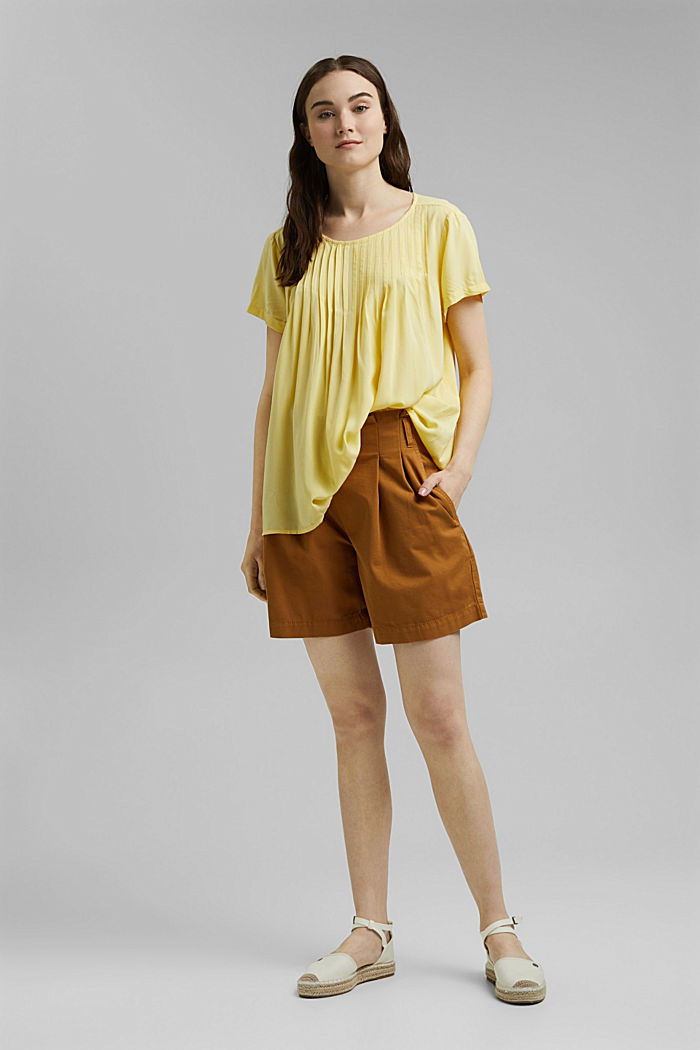 Blouse with pintucks made of LENZING™ ECOVERO™, LIGHT YELLOW, detail image number 1