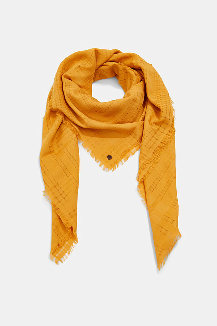 #ReimagineNaturalLifestyle: Scarf with woven pattern