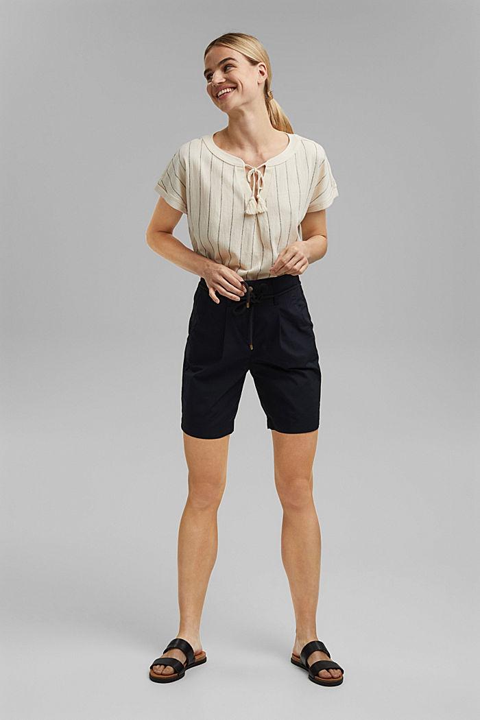 High-Rise-Shorts mit Gürtel, Bio-Baumwolle, BLACK, detail image number 1