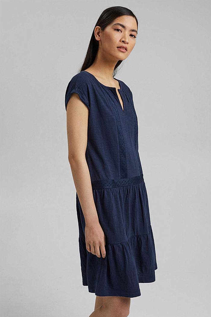 Jersey jurk met broderie, biologisch katoen, NAVY, detail image number 0