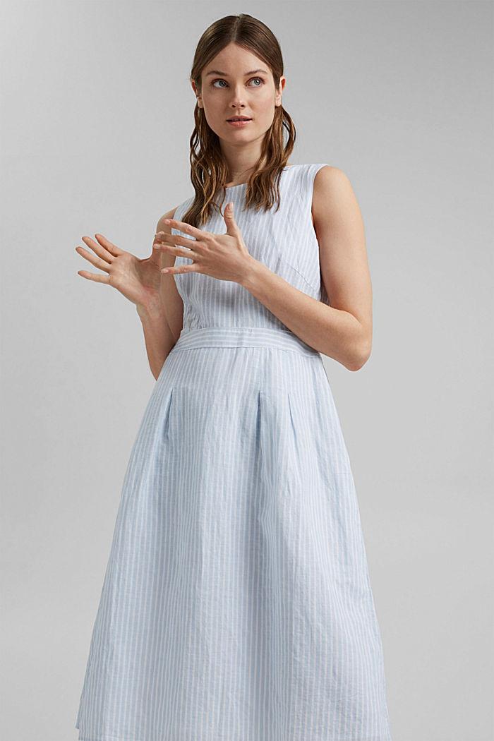 Van een linnenmix: gestreepte jurk in A-lijn