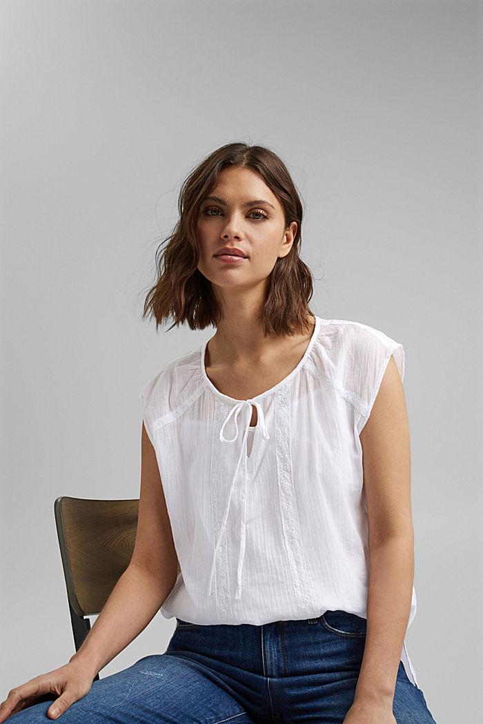 Blusentop mit Spitze aus Organic Cotton