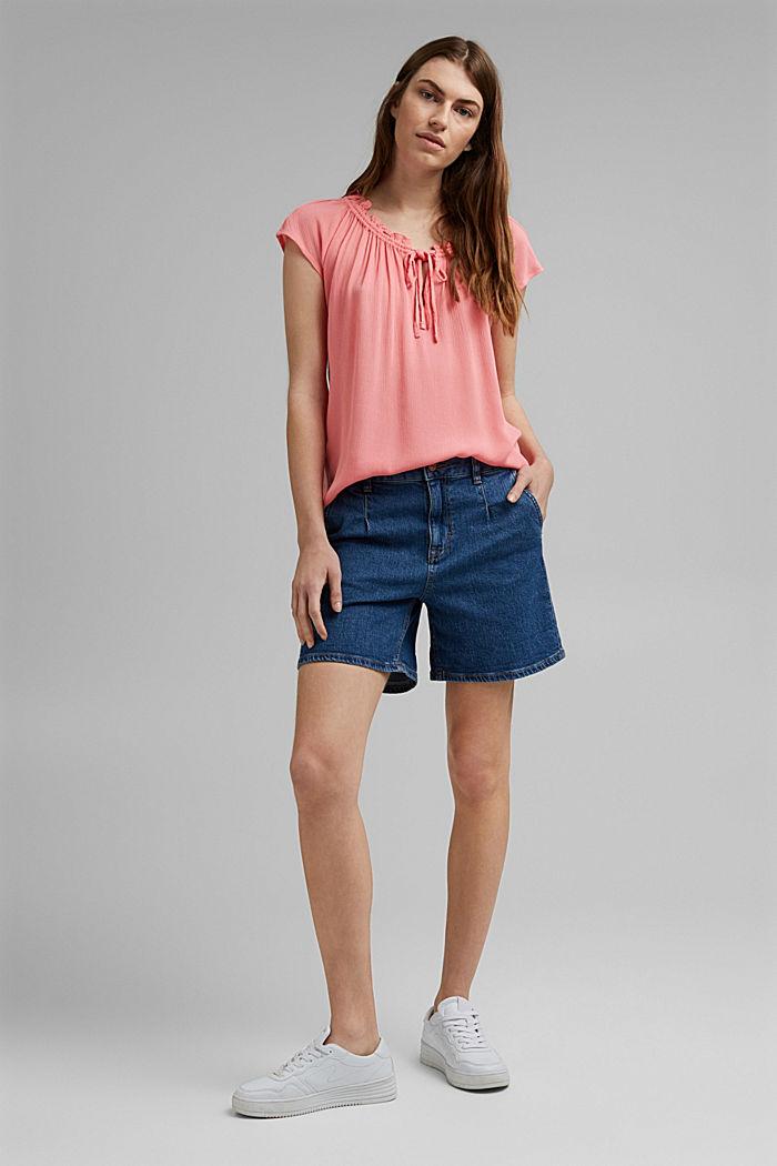 Zarte Crinkle-Bluse aus LENZING™ ECOVERO™, CORAL, detail image number 1