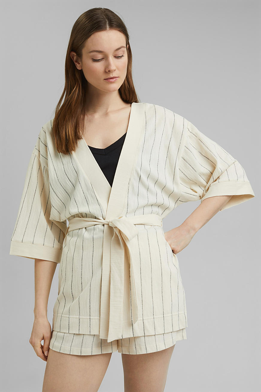 Kimono-style woven jacket with a belt