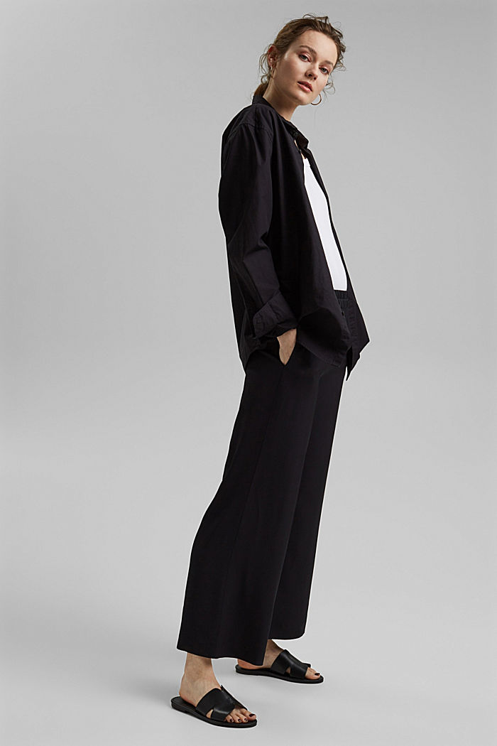 Pantalón ancho con cintura elástica