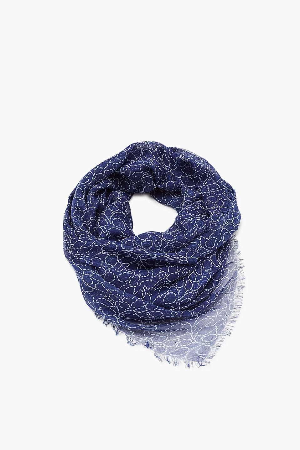 Ultra lightweight scarf with pretty all-over print