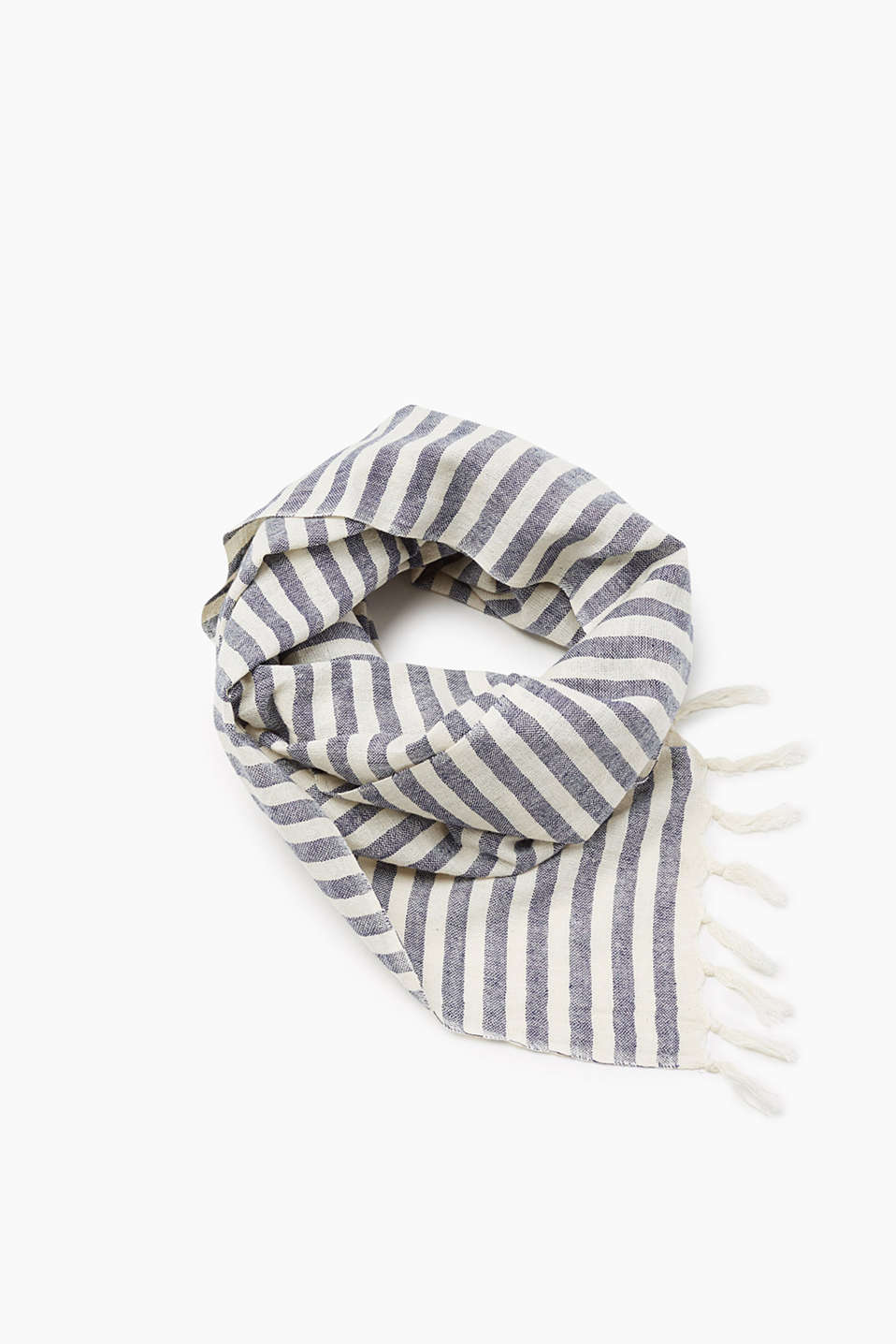 In a classic striped look: scarf with a slightly grainy texture