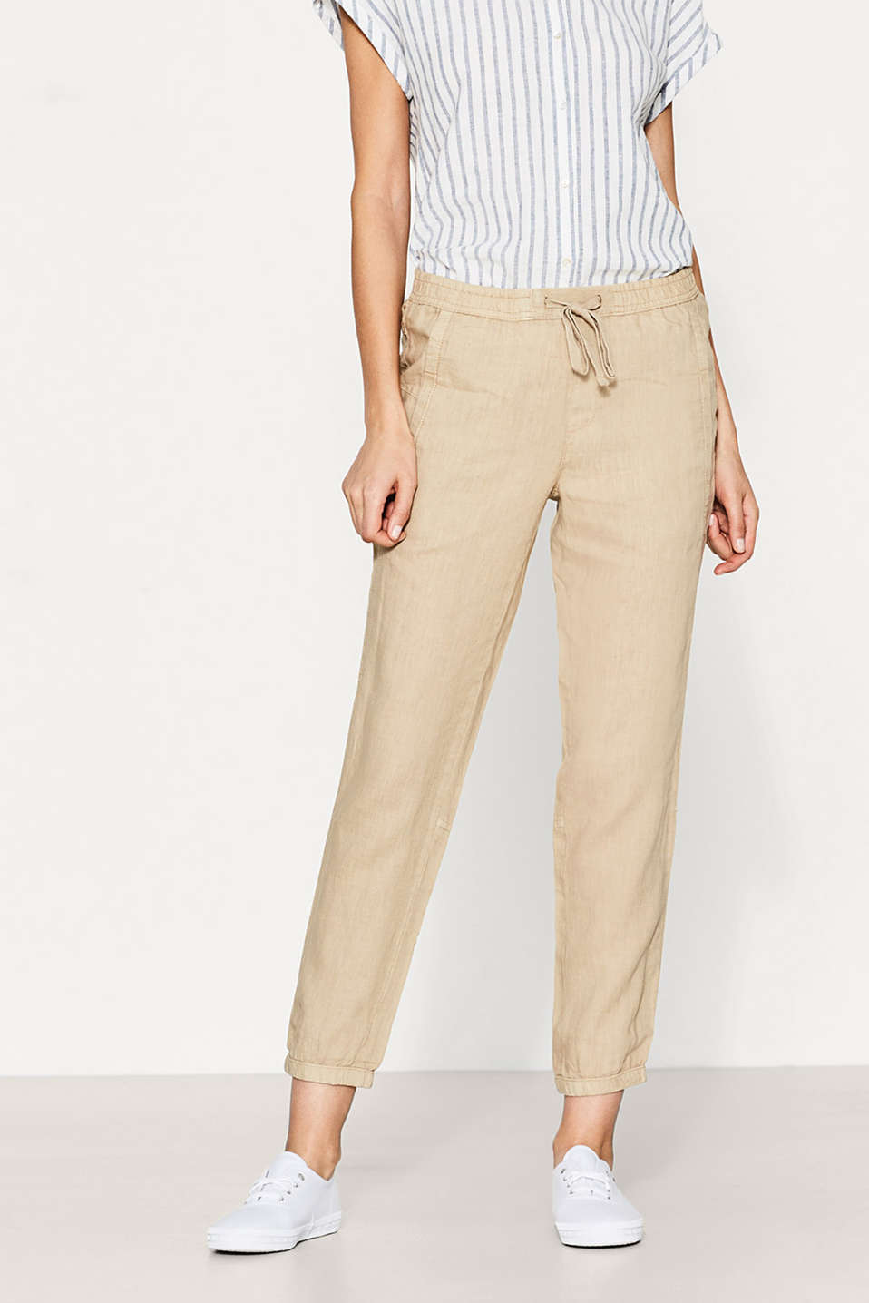 Casual cuffed trousers in 100% linen
