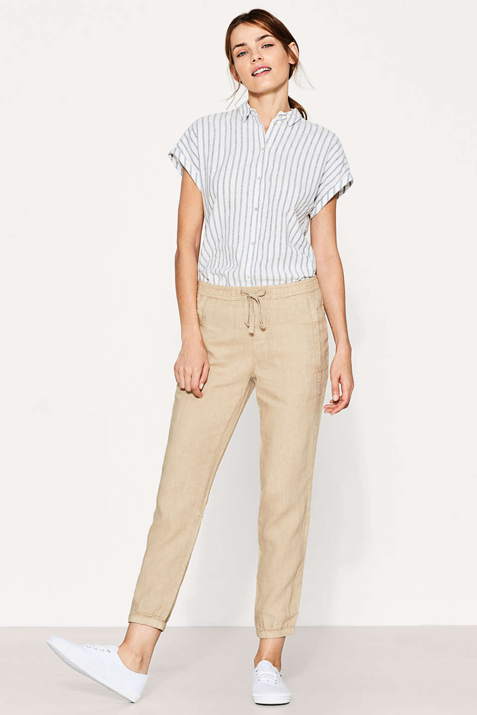 Esprit - Casual cuffed trousers in 100% linen