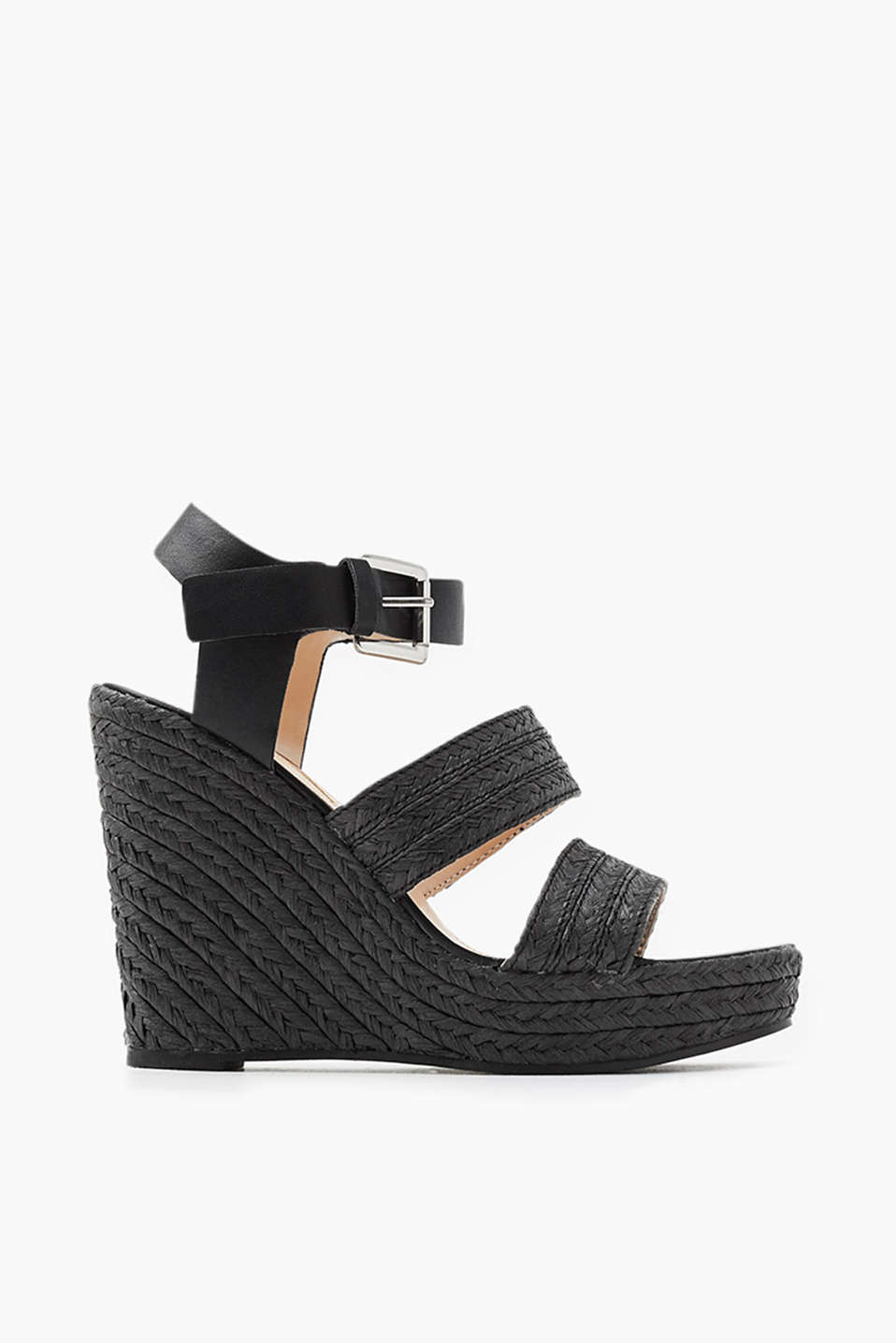 Sandal with wedge heel with wide straps