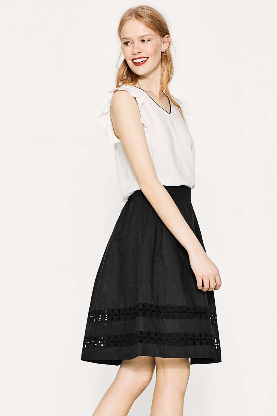 Flared linen blend skirt with embroidery