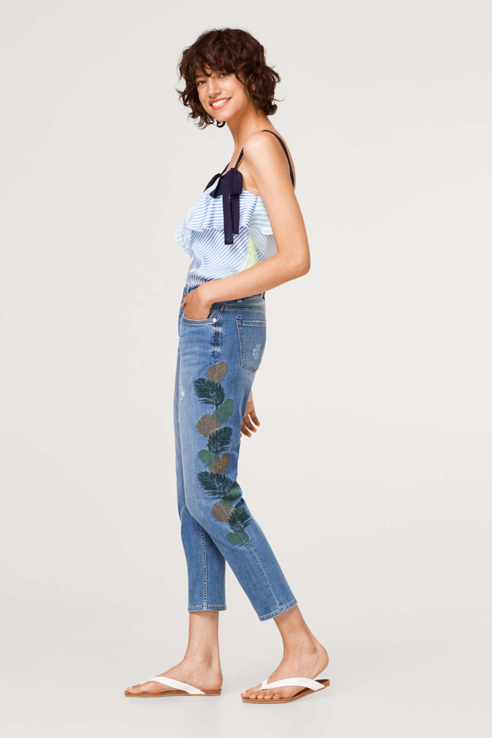 edc - Cropped vintage jeans with embroidered leaves