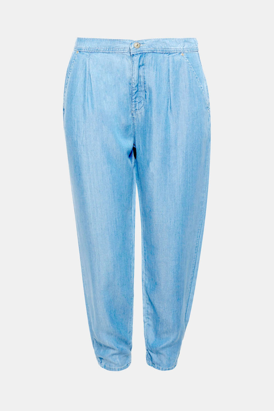 The extra lightweight lyocell fabric and relaxed tracksuit fit make these trousers a fave for the summer!