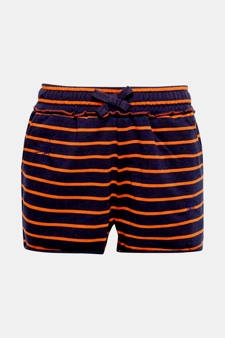 Made of soft sweatshirt fabric with casual, unfinished edges, these shorts are the perfect choice for laid-back summer looks.