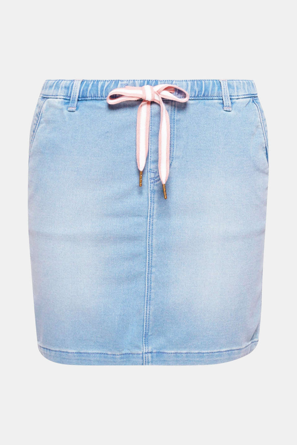 This denim mini skirt in soft tracksuit fabric with a casual garment wash combines a cool look with exceptional comfort.