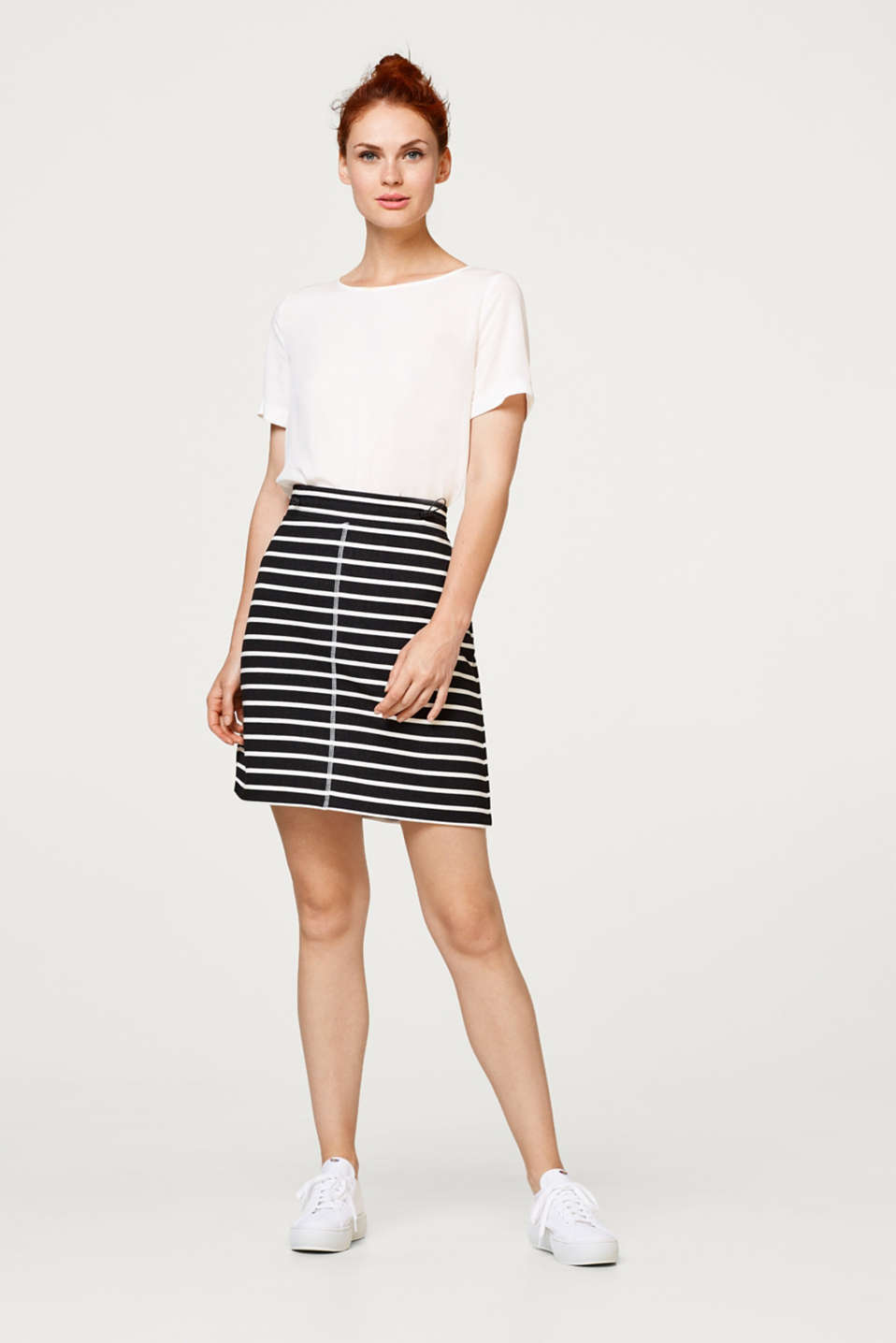 Comfortable sweatshirt skirt in a striped look