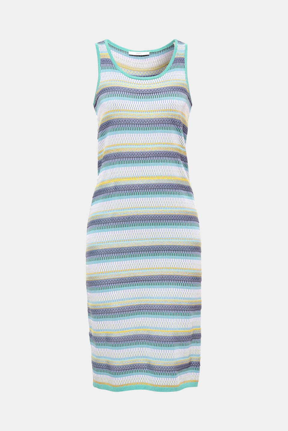 This close-fitting dress in a soft rib knit is a versatile summer style thanks to its mix of patterns