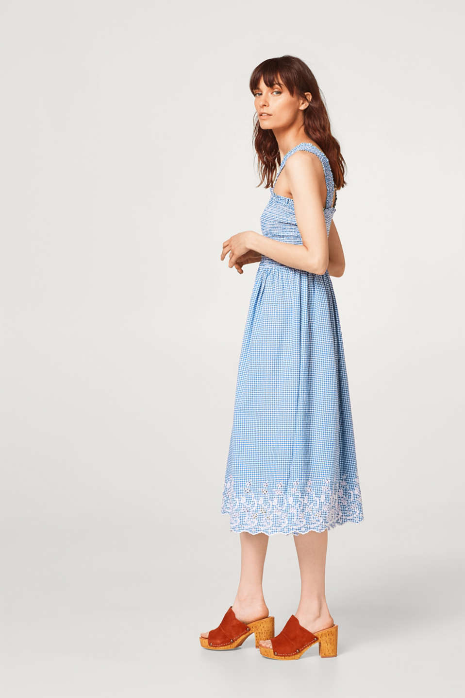Embroidered gingham check dress composed of organic cotton