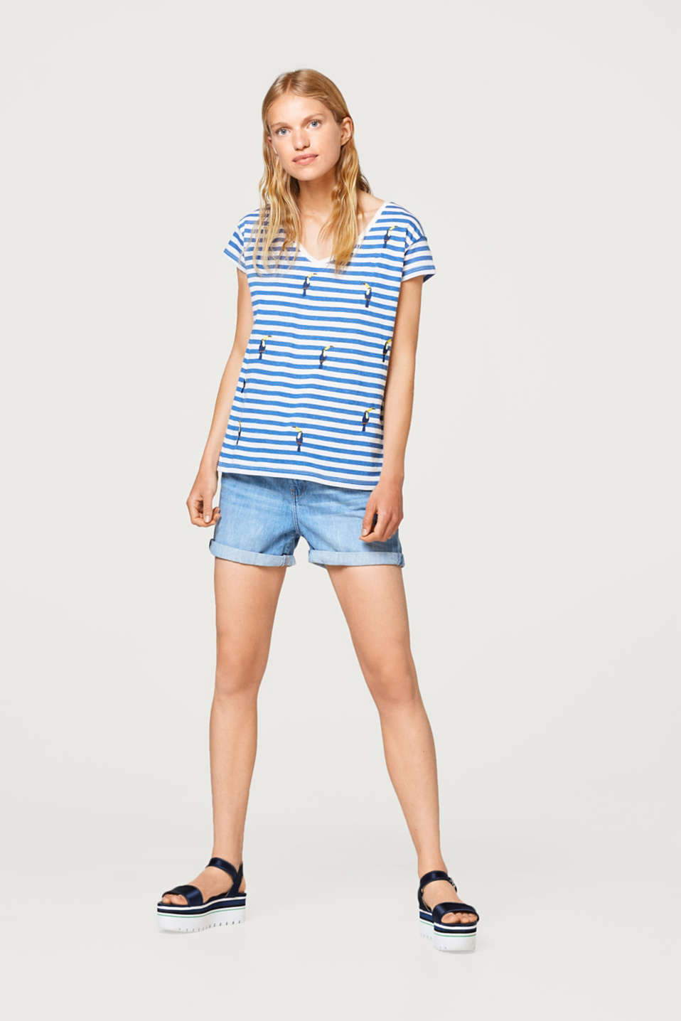 Light striped T-shirt with embroidery