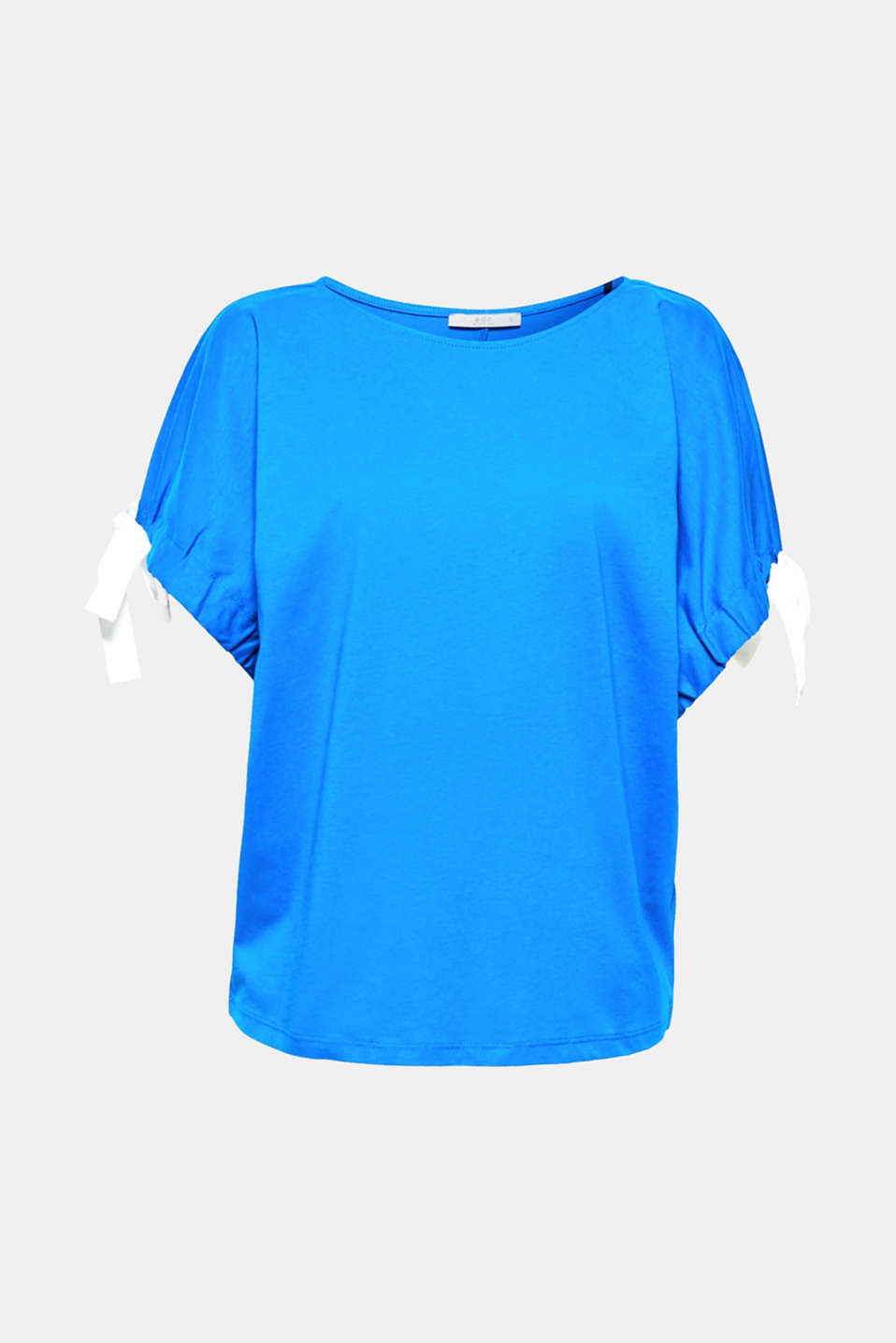 The raglan sleeves with ties in a contrasting colour that can be gathered in various different ways make this T-shirt super trendy.