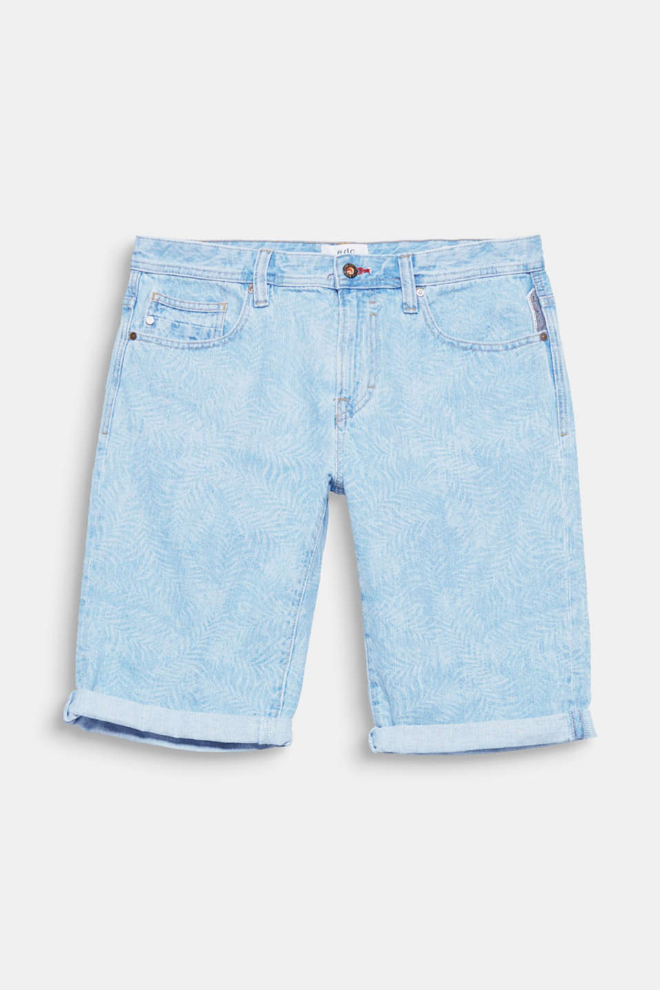 We love denim! The bleached outer surface makes these shorts look absolutely stunning.