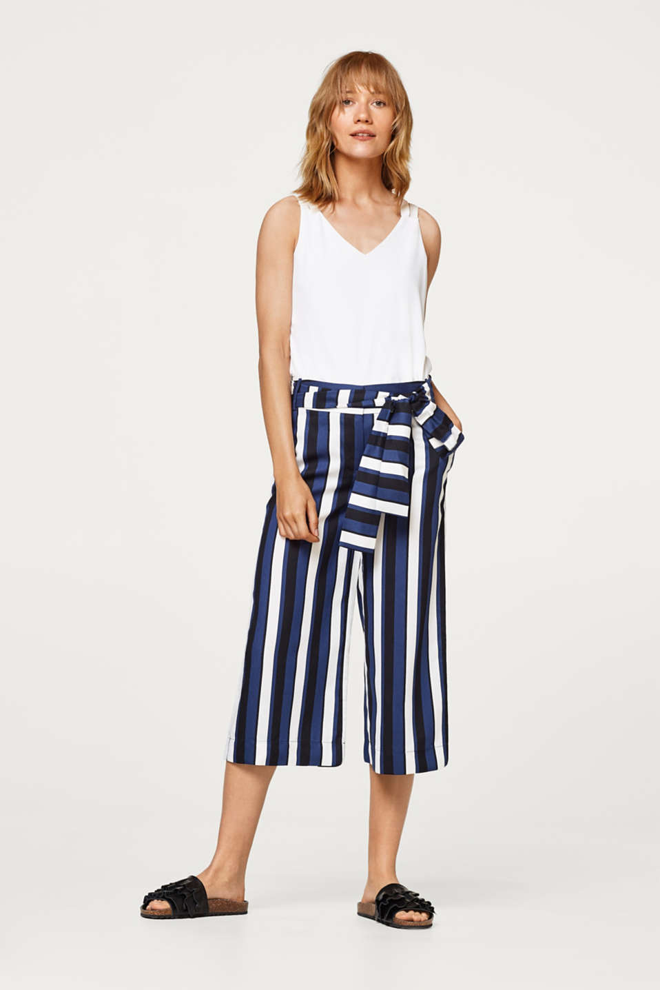 Culottes with matte-shiny effects