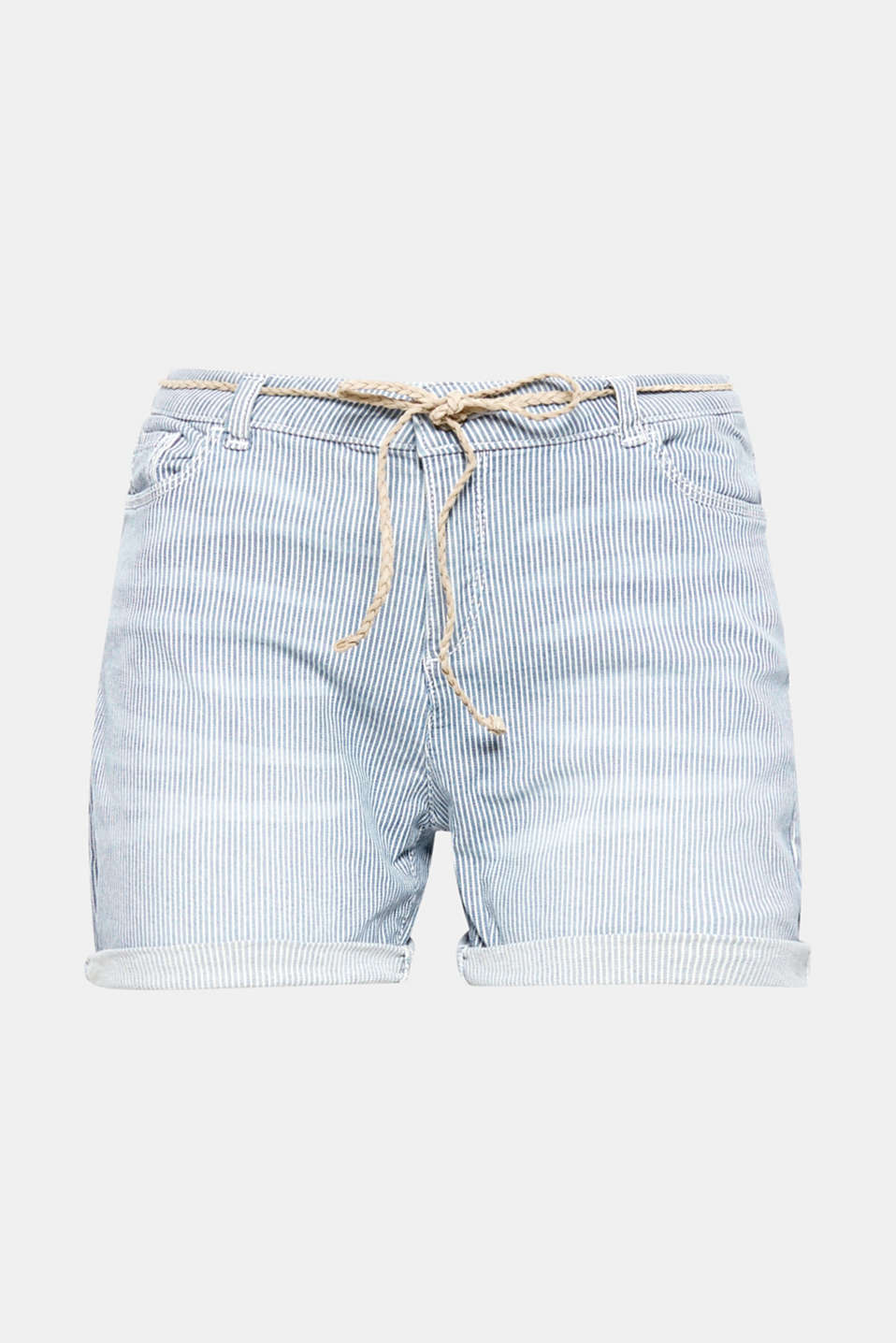 These striped shorts made of pale stretch cotton with fixed turn-up hems and a narrow braided belt are a great basic for your summer outfit.