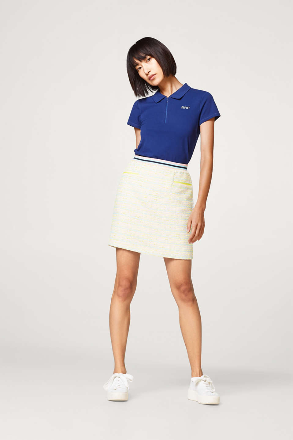 Summery bouclé skirt with a sporty ribbed waistband