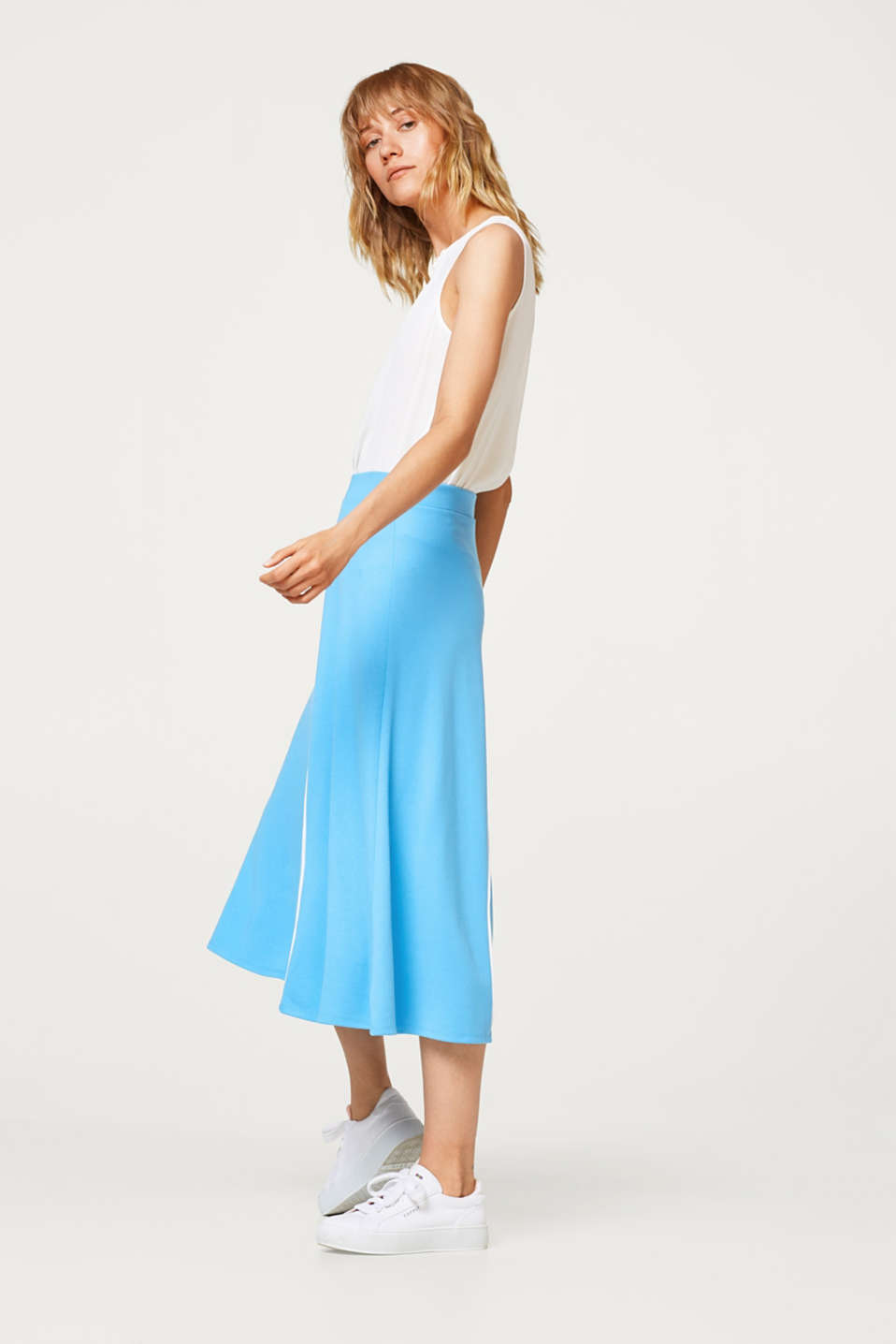 Midi skirt made of thick jersey with piping