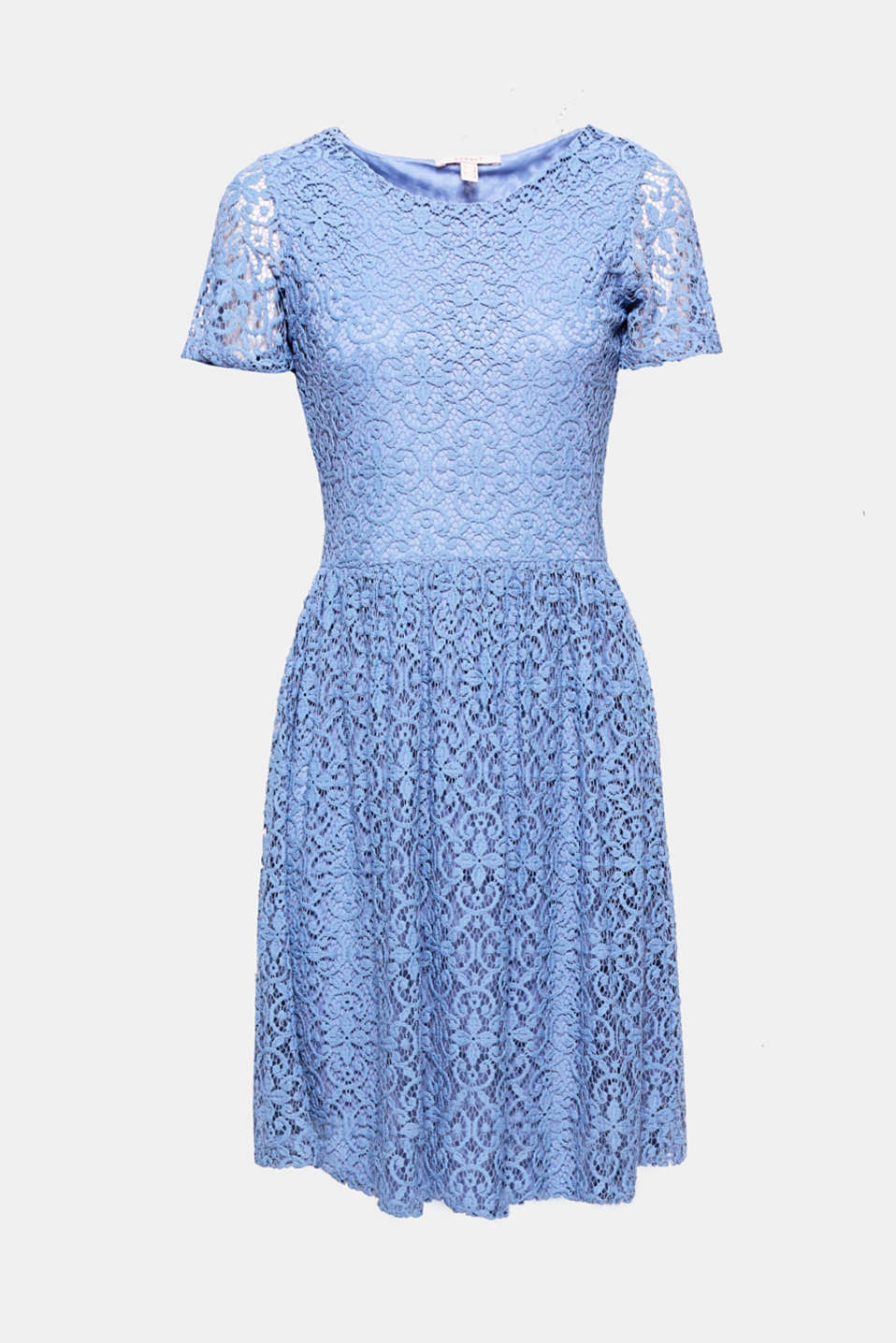 This dress with a swirling skirt highlights just how simple and comfortable lace can be!