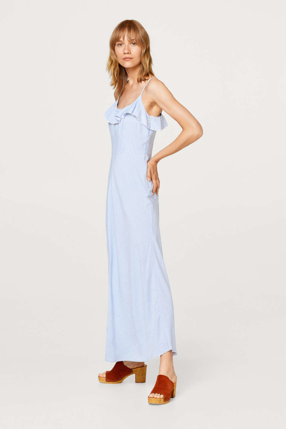 Esprit - Flowing maxi dress with a flounce and stripes