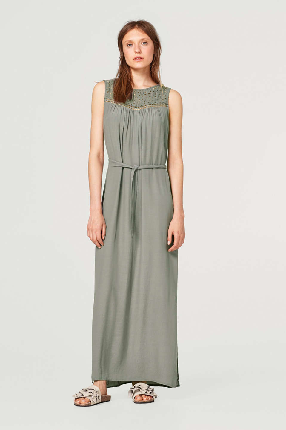 Esprit - Lightweight crêpe maxi dress with elegant broderie anglaise