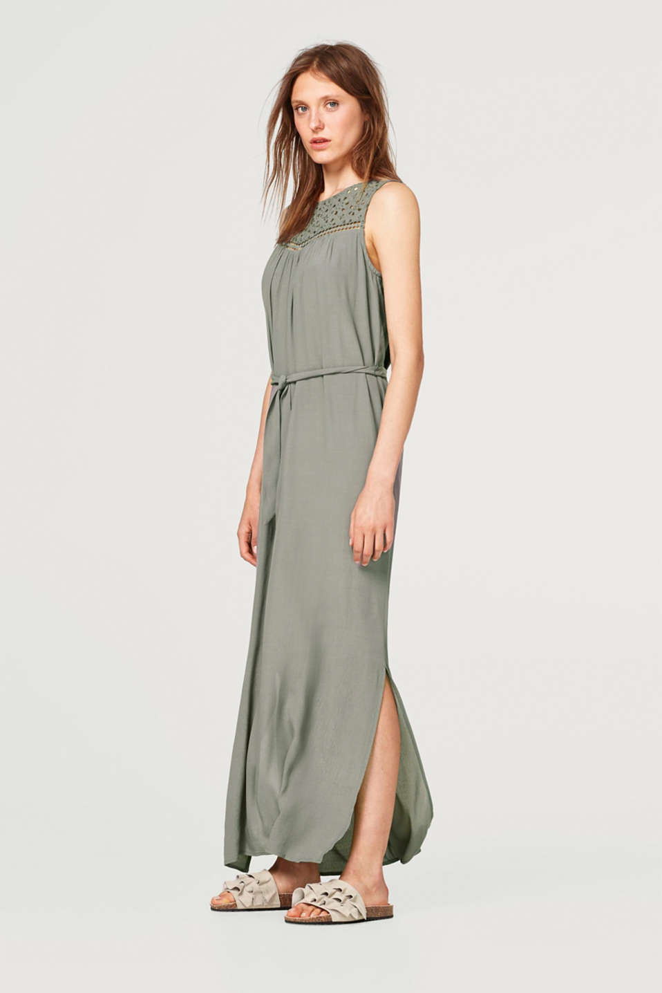 Lightweight crêpe maxi dress with elegant broderie anglaise