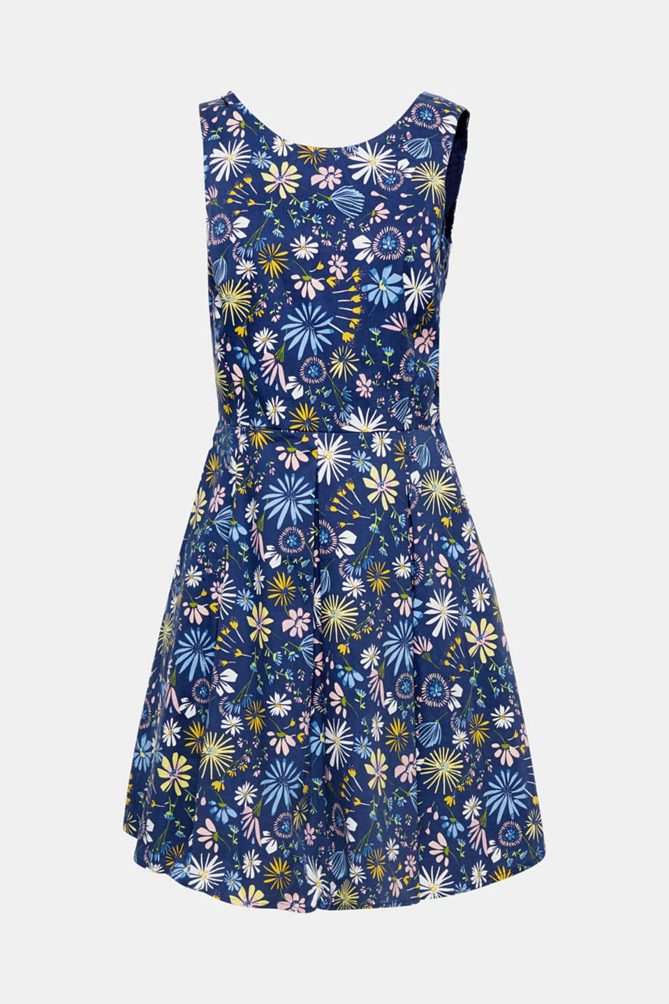 The flared silhouette with a beautiful back neckline and the opulent floral decoration makes this dress a feminine eye-catcher.