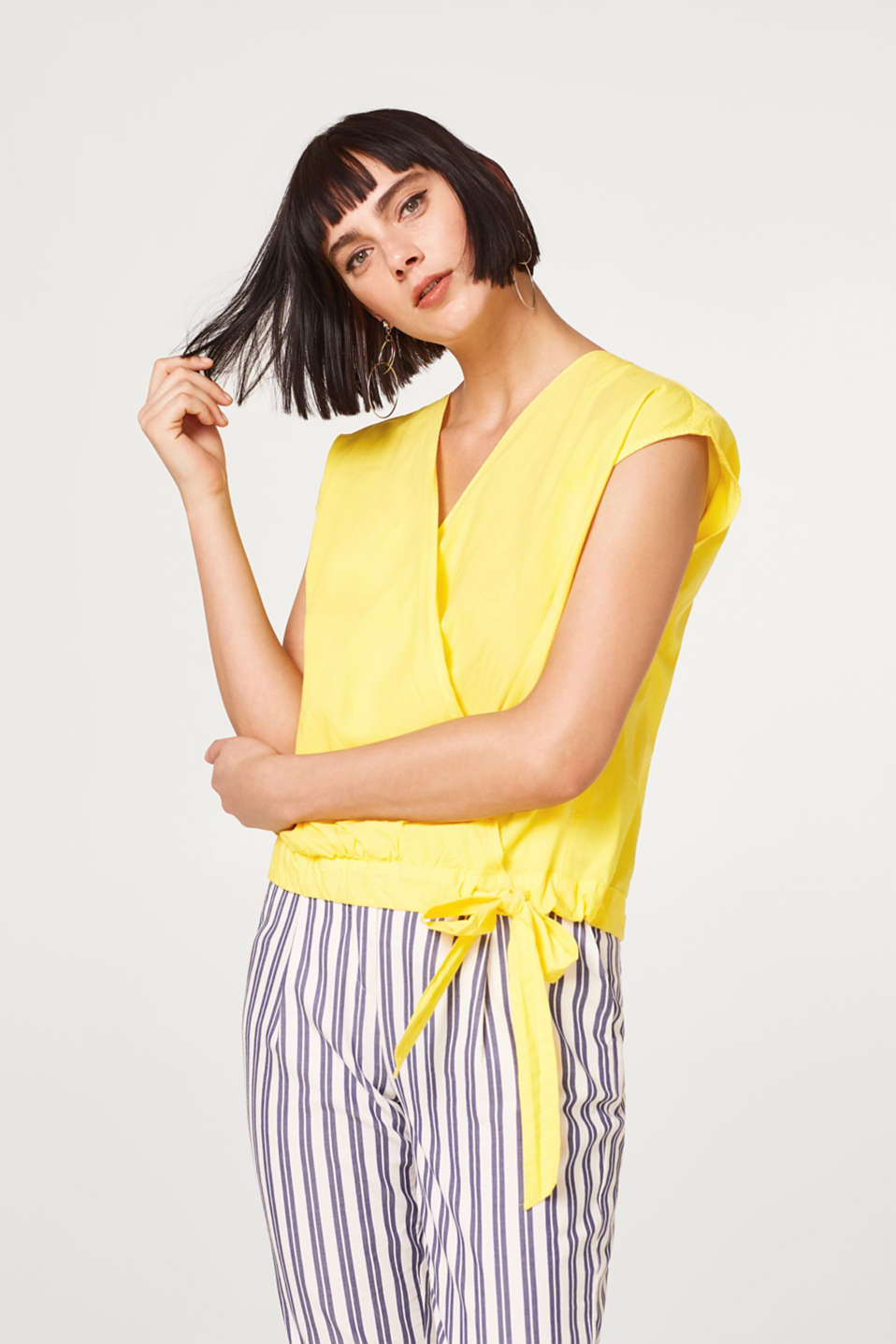 Esprit - Lightweight poplin blouse with a drawstring panel