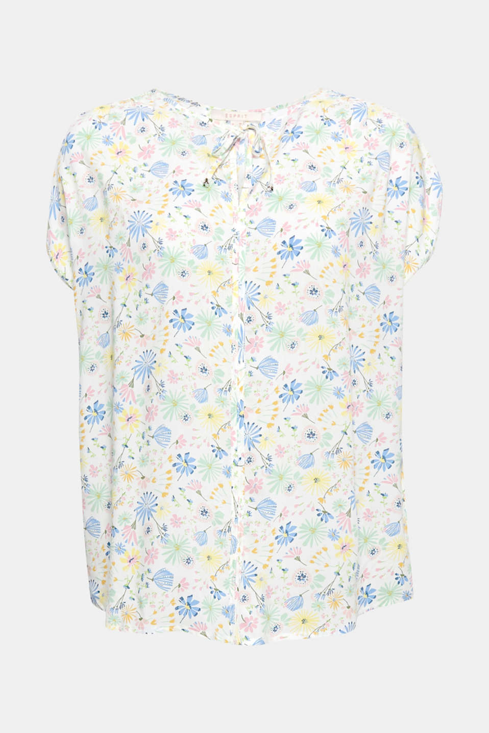 Favourite piece for the summer: this flowing blouse top with a colourful floral print is wonderfully lightweight and versatile!