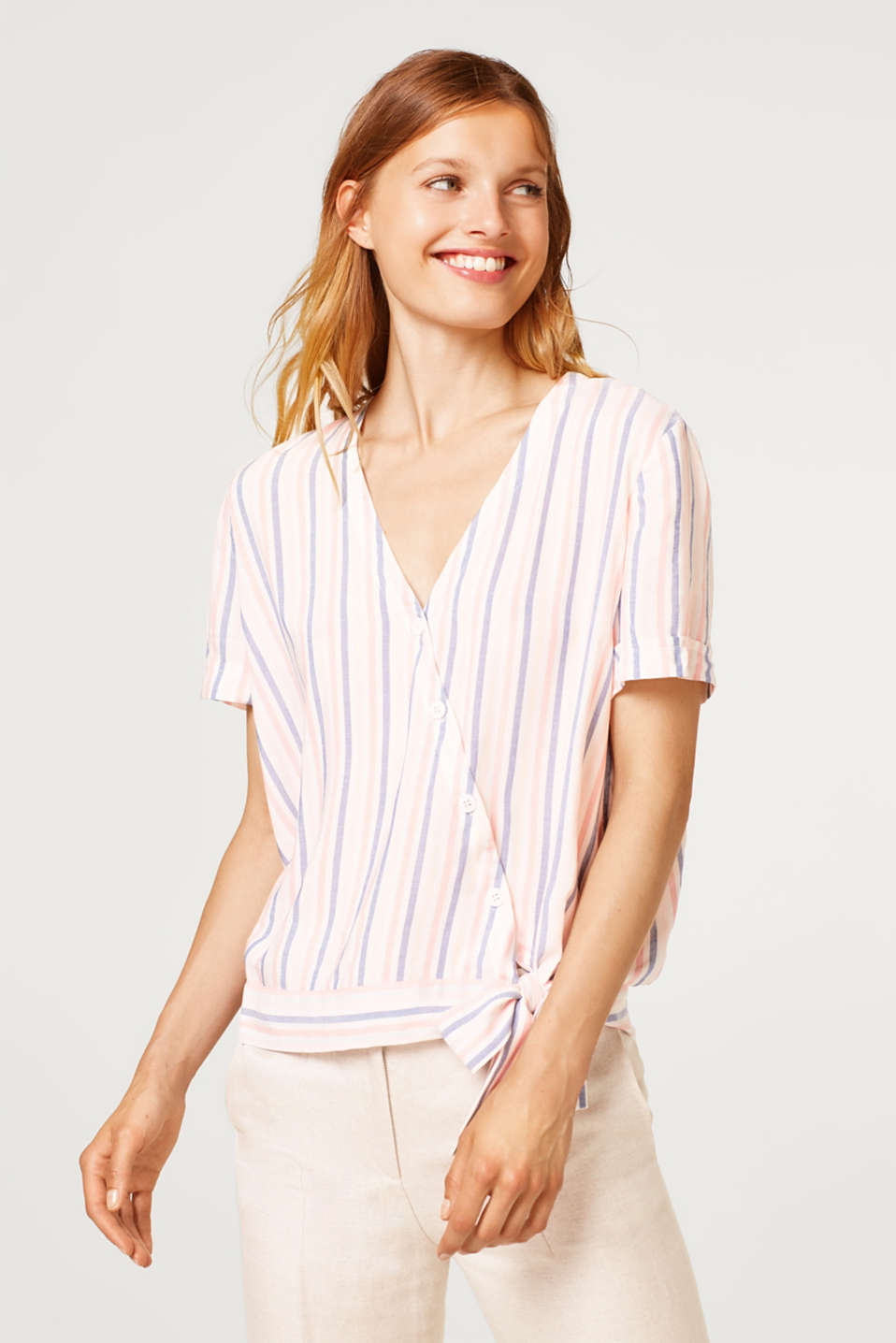 Esprit - Asymmetric button placket on the blouse top