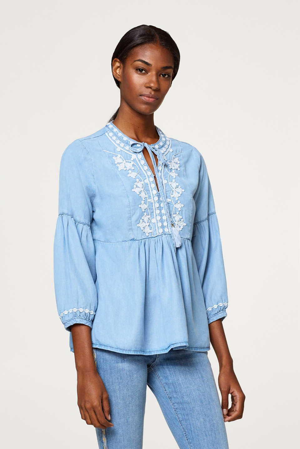 Esprit - Lyocell blouse with a cord embroidery