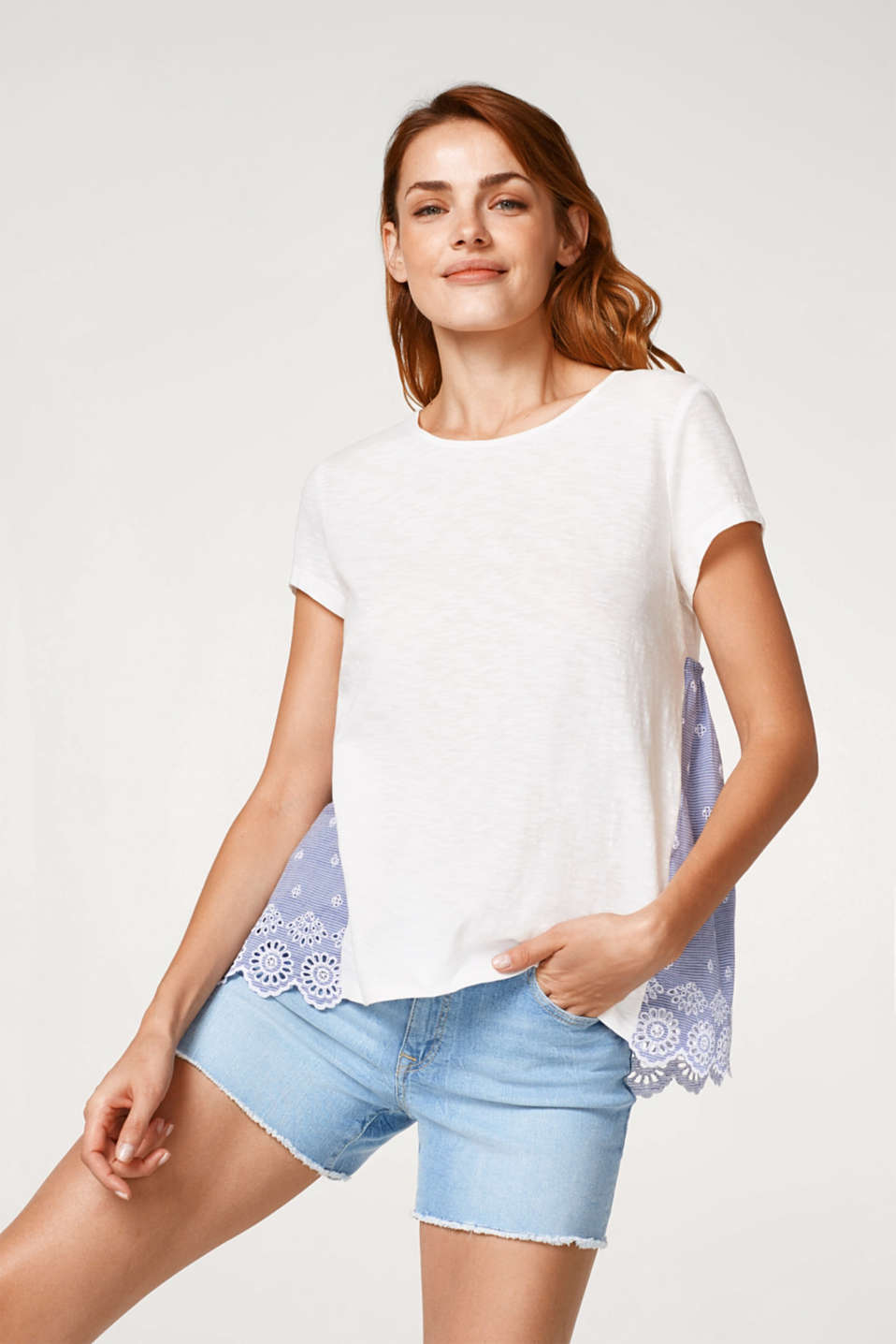 Esprit - Material mix T-shirt with embroidery, 100% cotton