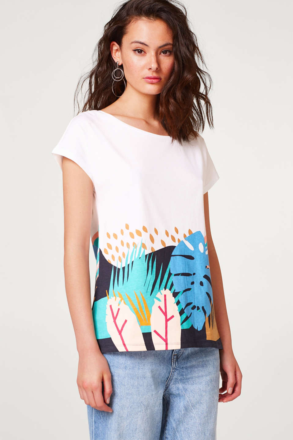Esprit - T-shirt with a colourful print, 100% cotton