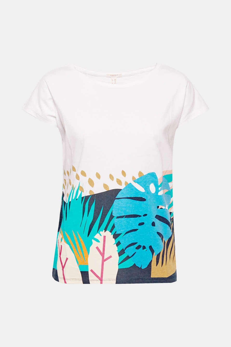 Welcome to the jungle! The colourful print with tropical plants makes this T-shirt a summery head-turner.