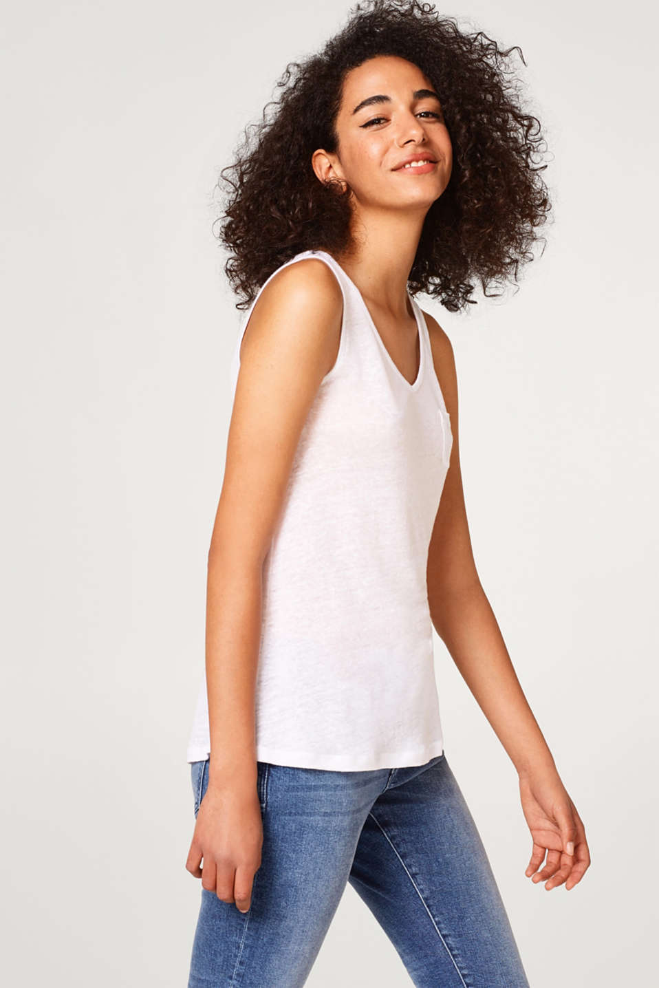 Esprit - 100% linen: A-line linen top with a breast pocket