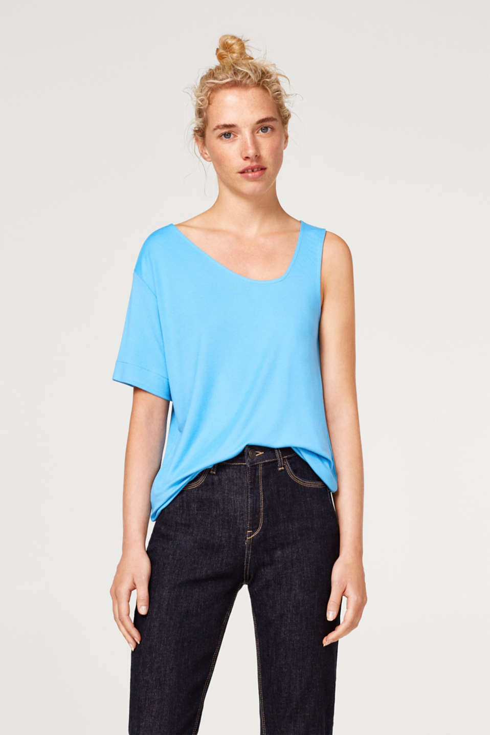 Esprit - One-shoulder top made of soft stretch jersey