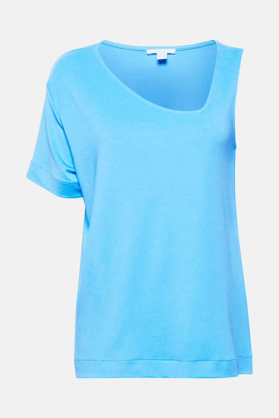 Combines a sexy look with comfort: one-shoulder T-shirt in supersoft draped jersey with added stretch for comfort!