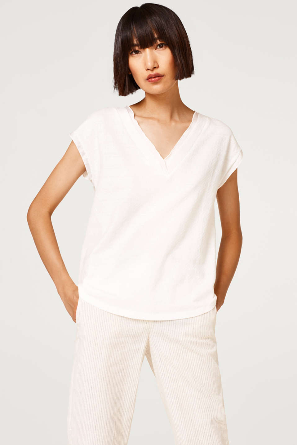Esprit - Textured T-shirt trimmed with satin