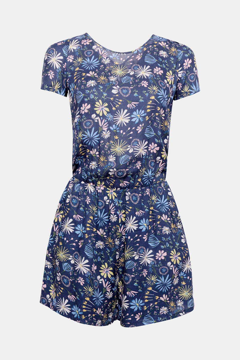 Light and airy outfit for warm summer days: This softly flowing jumpsuit in soft viscose with an elasticated waist seam features a bright flower print.
