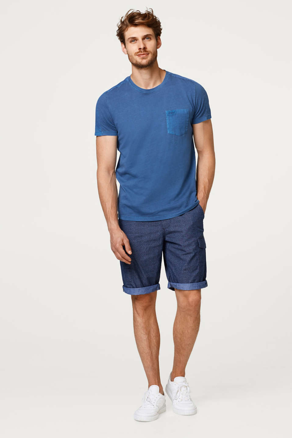 Esprit - Jogging shorts with cargo pockets, made of cotton