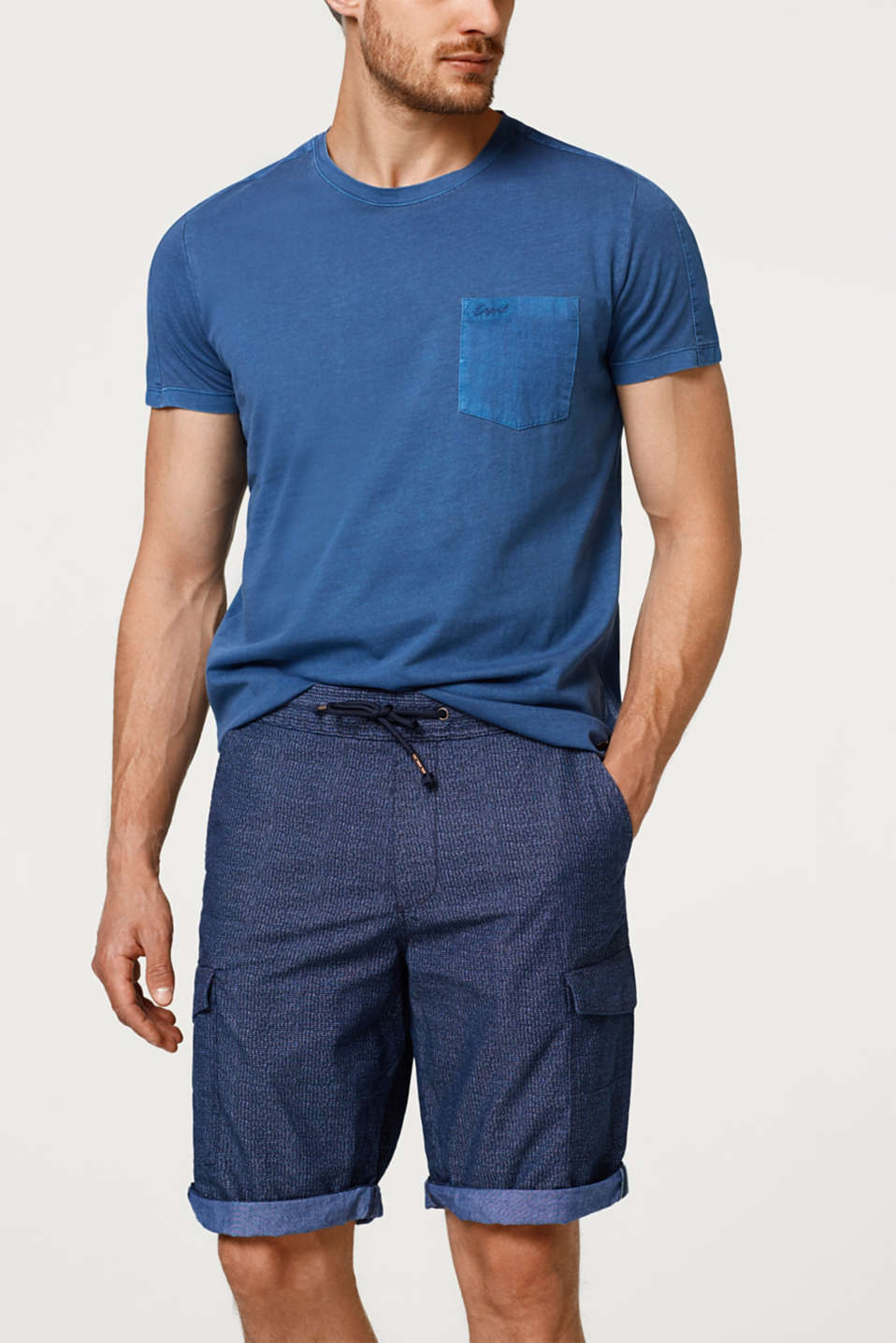 Jogging shorts with cargo pockets, made of cotton