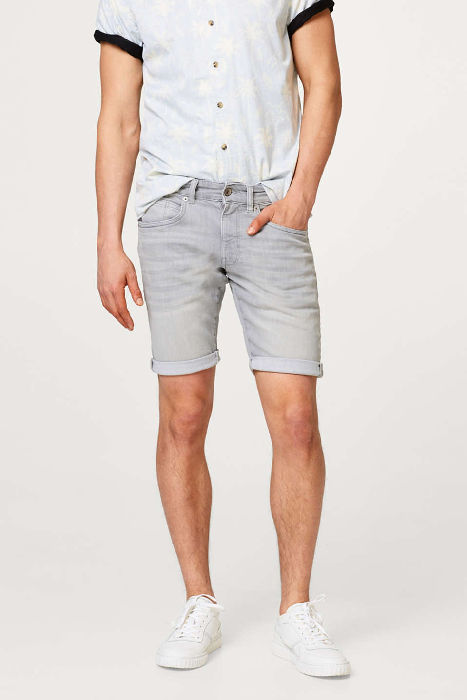 Esprit - Short en jean super stretch avec la technologie COOLMAX®