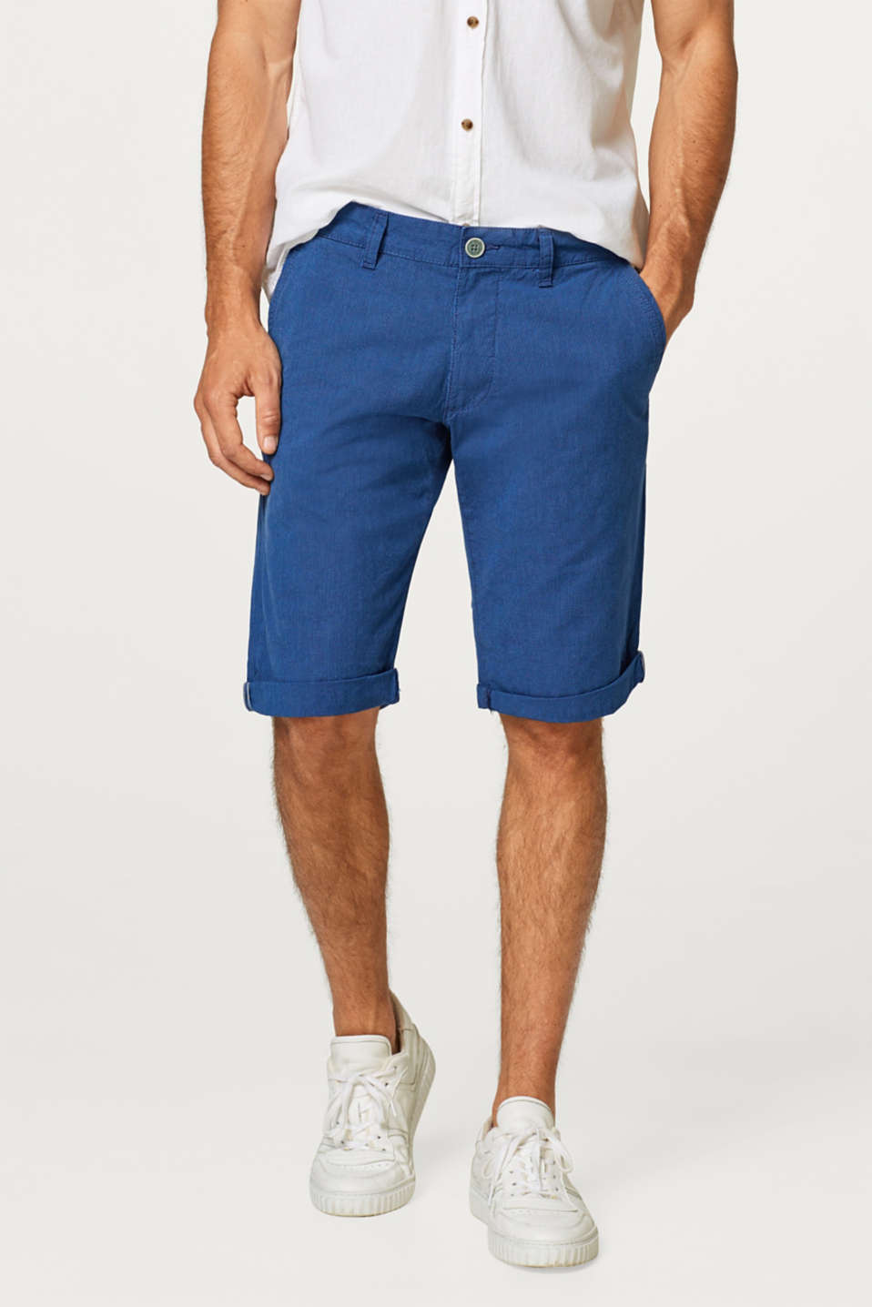 Esprit - Finely striped Bermuda shorts, made of cotton